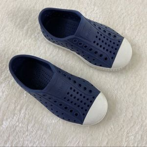 Toddler Native water shoes size 8 in navy